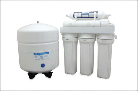 A compact under the sink design of the reverse osmosis system.